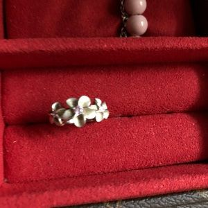 Jewelry - Set of 3 plumeria flowers ring